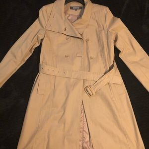 Khaki trench coat 🧥